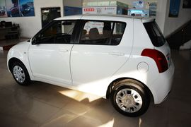 2013款铃木雨燕1.3L手动标准型