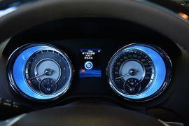 2014款克莱斯勒300C 3.0L卓越版