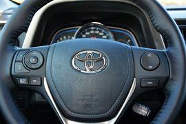 2015款丰田RAV4 2.5L自动四驱尊贵版