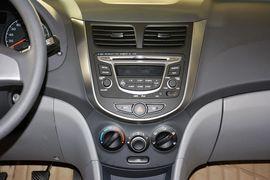 2014款现代瑞纳三厢1.4L自动智能型GLS