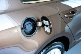 2013款大众朗行1.6L手动舒适型