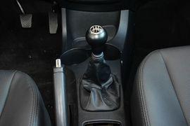 2013款起亚狮跑2.0L GLS手动两驱型
