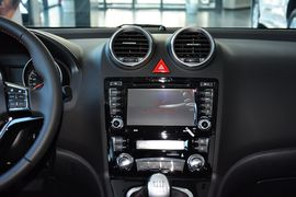 2013款长城H6升级版1.5T手动两驱精英型