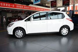 2013款启辰R50 1.6L自动时尚版