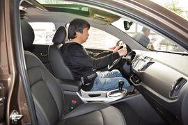 2015款起亚智跑2.0L自动两驱版DLX