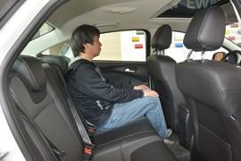 2012款福特福克斯三厢1.6L自动风尚型