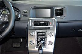 2015款沃尔沃V60 2.0T T5智逸版