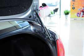 2013款奔腾B50 1.8L手自一体舒适型