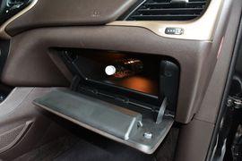 2014款Jeep自由光2.4L豪华版到店实拍