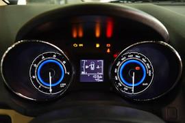 2015款奇瑞E3 1.5L手动智尚型