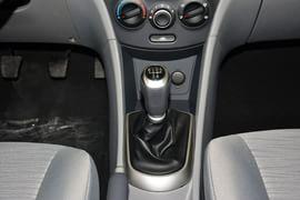2014款现代瑞纳三厢1.4L手动智能型GLS