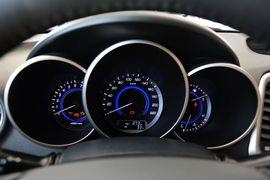 2015款长安逸动1.6L手动尊贵型