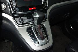 2015款哈弗H6 运动版 1.5T自动两驱尊享型