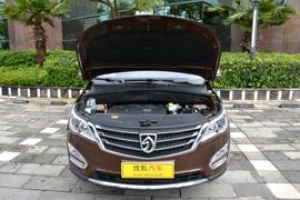 2015款宝骏560 1.8L手动豪华型