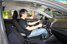 2014款丰田雷凌1.6G手动精英版到店实拍
