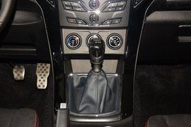 2015款陆风X8 探索版 2.0T汽油四驱超豪华型