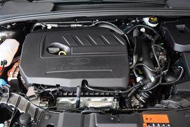 2015款福特福克斯三厢1.5L GTDi自动旗舰型