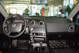 2014款双龙爱腾2.0T四驱自动豪华柴油版