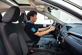 2015款奔腾X80 2.0L手动舒适两周年纪念型