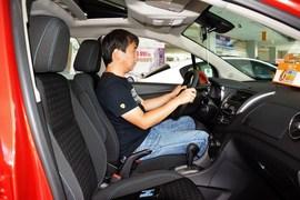 2016款雪佛兰创酷1.4T自动两驱舒适天窗版到店实拍