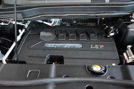 2015款哈弗H6运动版 1.5T 自动两驱尊享型