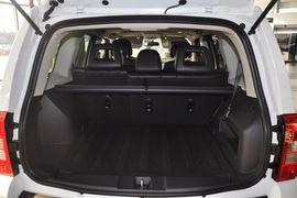 2015款Jeep自由客2.4L豪华导航版