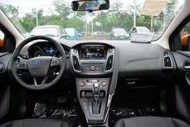 2015款福特福克斯两厢1.5L GTDi自动精英型