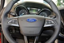 2015款福特福克斯三厢1.0L GTDi手动超能风尚型