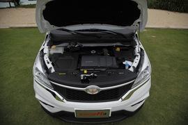 2015款北汽幻速H3 1.5L手动豪华型