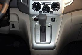 2014款日产NV200 1.6L CVT尊雅型