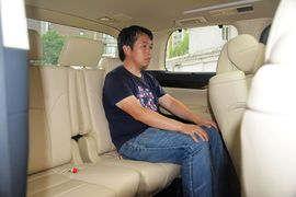 2015款丰田埃尔法3.5L豪华版