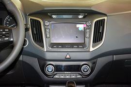 2015款现代ix25 1.6L自动两驱尊贵型DLX