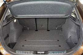 2015款宝马X1 sDrive18i时尚晋级版