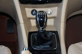 2016款宝骏730 1.8L手动豪华型