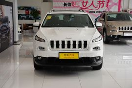 2016款Jeep自由光2.4L领先版