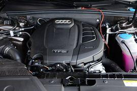 2016款奥迪A4L 35TFSI 典藏版 自动标准型