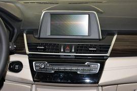 2016款华晨宝马220i旅行车豪华设计套装