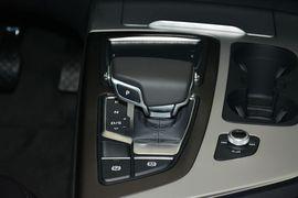 2016款奥迪Q7 40TFSI舒适型