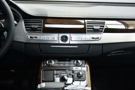 2016款奥迪A8L 45TFSI quattro舒适型