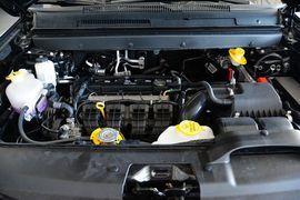 2016款道奇酷威2.4L两驱旅行版