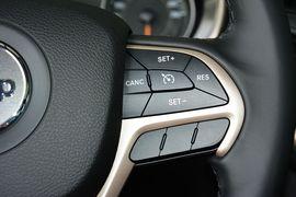 2016款Jeep自由光2.4L全能版