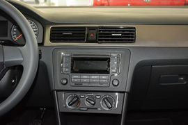 2015款大众桑塔纳-浩纳1.6L手动舒适版