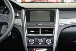 2016款奔腾B30 1.6L自动尊享型