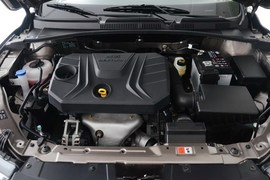 2016款奔腾B30 1.6L自动豪华型