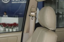 2009款华泰圣达菲C9 银色 1.8T豪华到店实拍