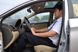 2010款现代瑞纳1.6L GLS自动型