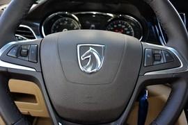 2016款宝骏730 1.5L手动豪华型 7座