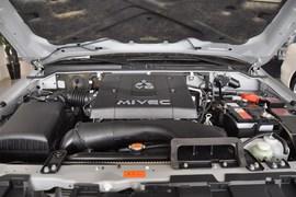 2010款三菱帕杰罗短轴 3.8L炫酷版