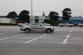 2011款宝马1系敞篷轿跑车上海试驾