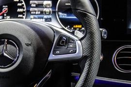 2016款奔驰E 300 L 运动豪华型
